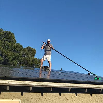 3 Reasons Why You Should Hire Someone To Clean Your Solar Panels